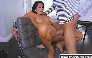 RealityKings - Milf Hunter - Capones Vag