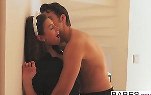 Babes - Situation Obsession - To begin Voyage starring Jay Smooth added to Julia Roca clip