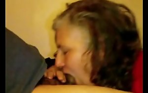 Granny Lynne Pees Receives Face Drilled and a Mouthful of Cum