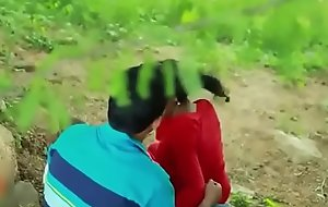 Indian Sexy School girl romance in outdoor hot sex video