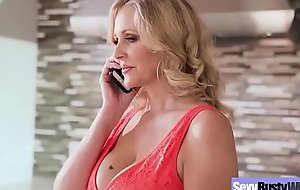 (Julia Ann) Be in charge Sexy Housewife In Hardcore Sex Chapter clip-17