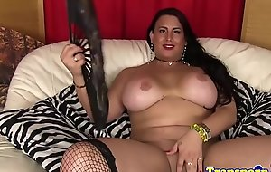 Curvy t-girl playing with her locate