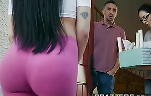 Brazzers - Real Spliced Stories -  Welcum Handcart scene starring Raven Bay increased by Keiran Lee