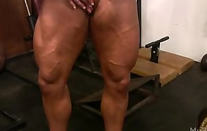 Female Bodybuilder Lisa Cross Plays with their way Shafting Heavy Clit