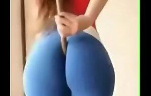 to much botty in da pants