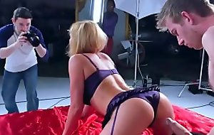 Brazzers - Hold That Shot 2 Krissy Lynn&nbsp_and&nbsp_Danny D