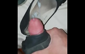 I FUCK MY SISTER'S DIRTIEST SHOES LIKE A LOSER (with cumshot)