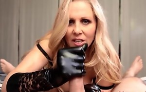 Sexy Milf Julia Ann Gives HandJob just about Latex Gloves!