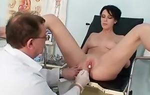 Gaffer babe Rita deviating gyno doctor exam