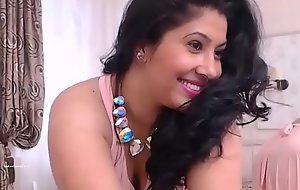 Indian Mumbai horny housewife spreading legs and fingering her wet wet crack HD (new)