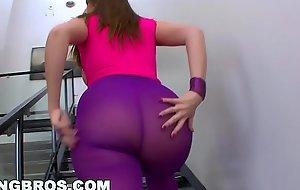 BANGBROS - English Babe Paige Turnah Has A HUGE Botheration (ap9549)