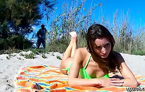 Perfect cosset fuck on public beach without any problem with stranger