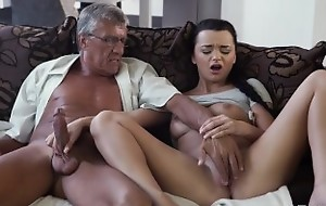 DADDY4K. Middle-aged scrounger has fun with son's unsatisfied girlfriend