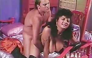 Paki Aunty is tired of Tiny Asian Paki Dick ergo goes for Chunky Western Cock