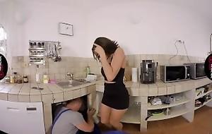 VirtualRealPorn.com - Erotic white wife