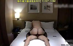霸气纹身大神宾馆约啪巨乳肥臀售楼小姐超级骚的呻吟声操的淫