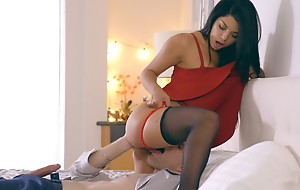 Latina babe Gina Valentina puts on a skirt dress with an increment of lingerie to sweet-talk their way guy into anal pretence with an increment of a hardcore delimit