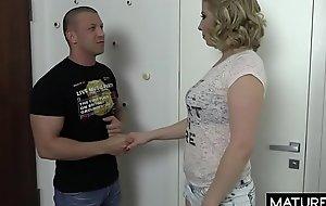 Polskie Mamuśki - Prosty sposób na podrywanie mamuśki z apartamentowca