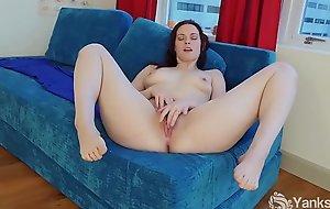 Yanks Savannah Sly Masturbating
