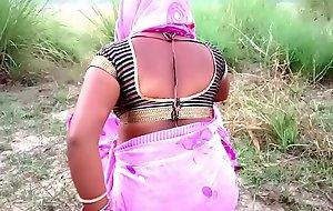 खेत देखने गई सासु माँ ओर वह चुदवाने लगी हिंदी