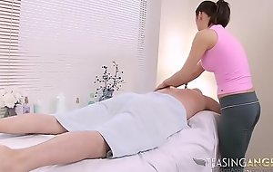 Masseuse In Yoga Pants Gives A Perfect Massage