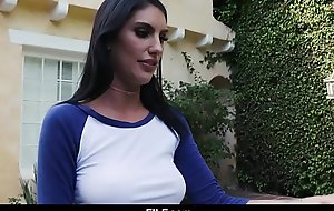 STEPSISTER AUGUST AMES GIVES AGGRESSIVE Oral-stimulation TO STEPBROTHER - FILF