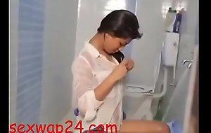 beautiful girl in weaponless room 2018 (sexwap24.com)