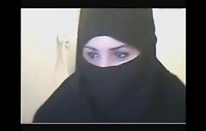 arabic camgirls showing off