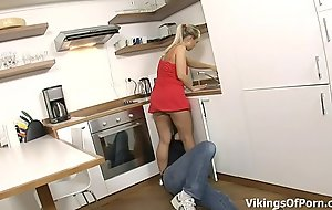 Fucking My Stepsis In the Kitchen Drill-hole