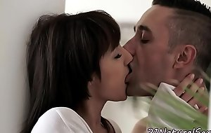 Smalltits mollycoddle banged after bj